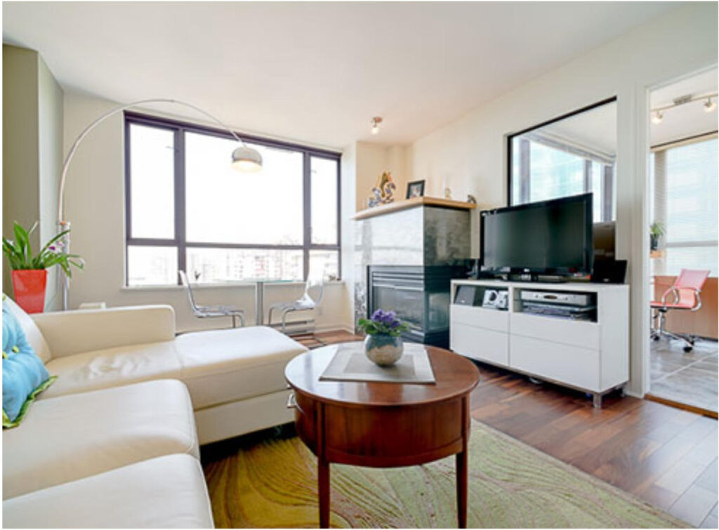 1406-1003 Pacific Living 2